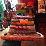太めの糸で、手編みです