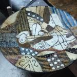 貝殻や色付きモルタルを並べると、こんなに綺麗な工芸品に!