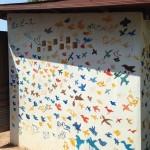 はちどり小学校建設時、みんなで描いたハチドリです http://mikutabi.minibird.jp/2015/01/22/国際ボランティアで得られるもの/