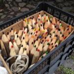 その辺の木を拾って大きな色鉛筆作り。子どもが出来たら一緒に作りたい!